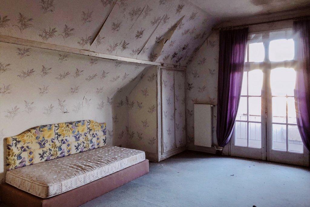 Zimmer-verlassenes-Hotel-Schwarzwald