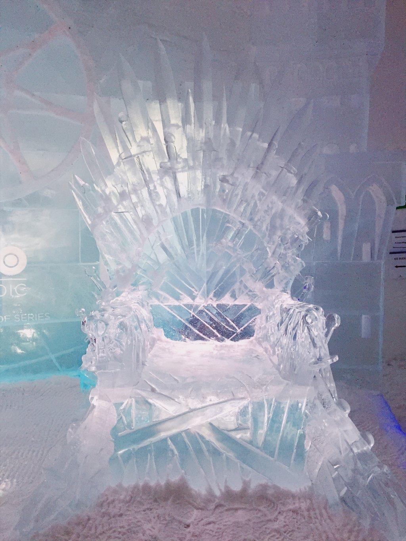 Game-of-Thrones-Eishotel-Finnland-Eiserner-Thron