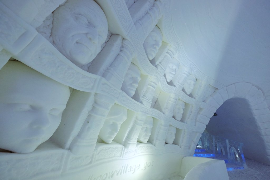 Game-of-Thrones-Hotel-Lappland-Hall-of-Faces