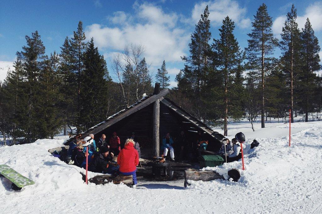 Skiurlaub-Yllas-Finnland-Huette-Grillen