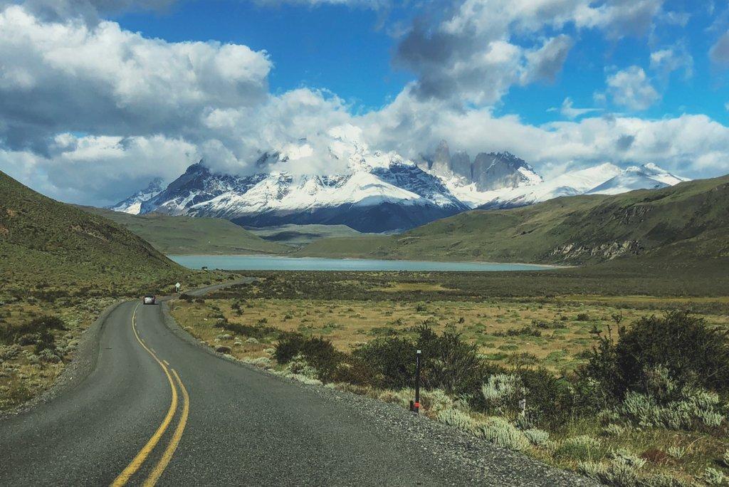 Torres-del-Paine-Nationalpark-Strasse-Mietwagen