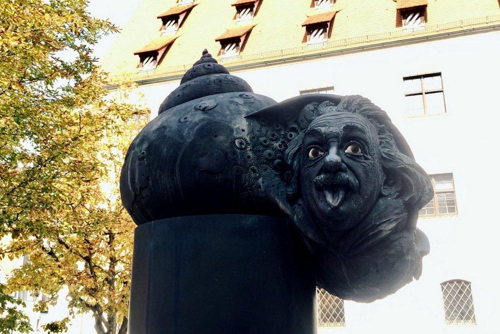 Ulm_Einsteinbrunnen
