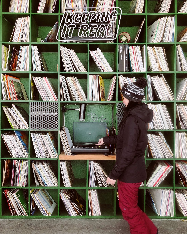 Laax-Skifahren-Bergstation-Schallplatten