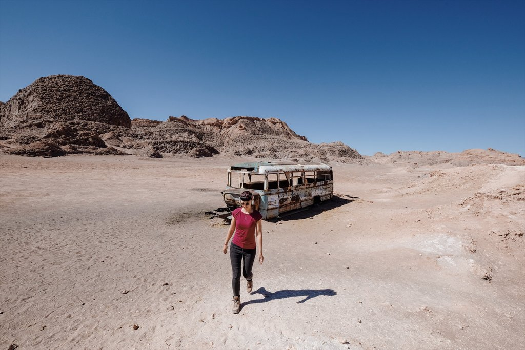 Atacama-Chile-Valle-de-la-Luna-Bus