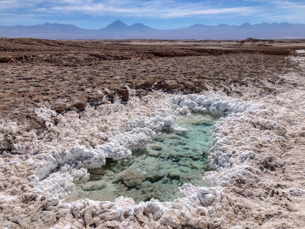 Fluss-aus-Salz-San-Pedro-de-Atacama-Chile