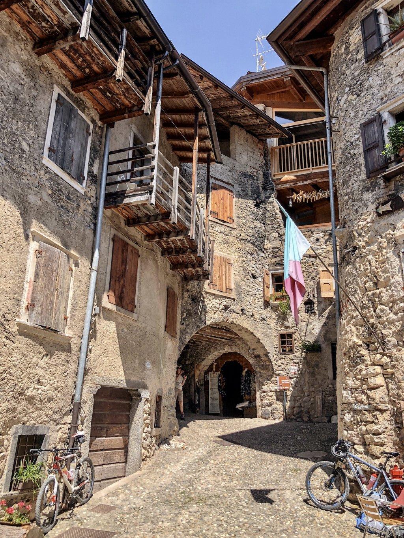 Borgo-Medievale-di-Canale-Geheimtipps-Gardasee.