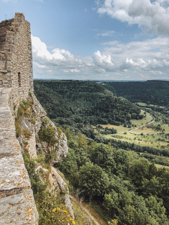 Burg-Hohenneuffen-Schwaebische-Alb-Blick
