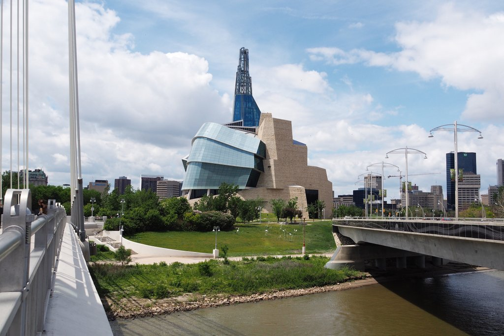 Winnipeg-Canadian-Museum-of-Human-Rights