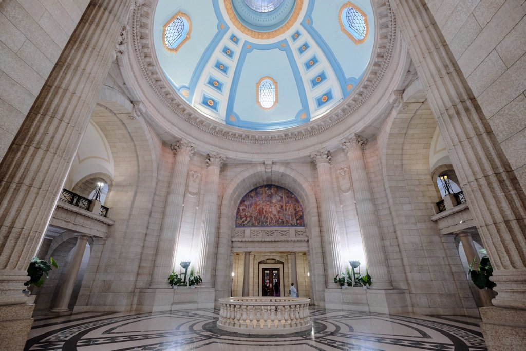 Winnipeg-Hermetic-Code-Tour-Legislative-Building