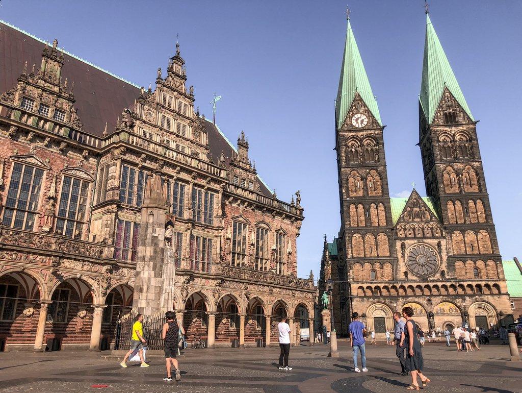 Bremen Sehenswuerdigkeiten Marktplatz Rathaus Dom