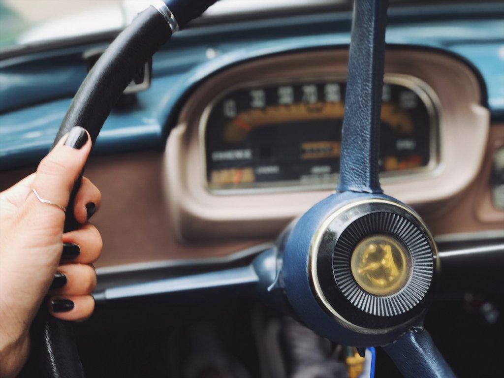 Renault-Floride-Lenkrad-Oldtimer