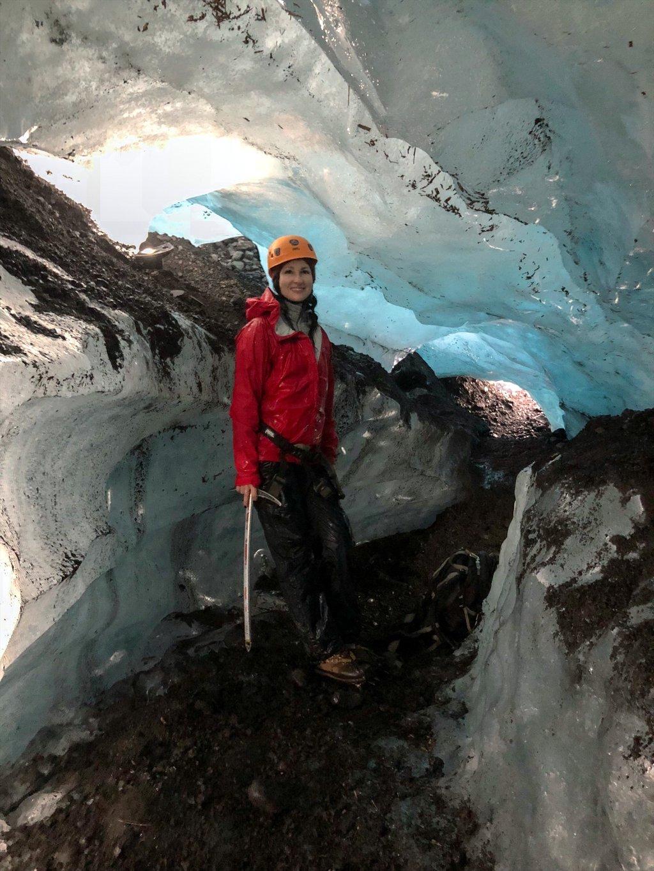 Gletscherbegehung-Eishoehle-Island