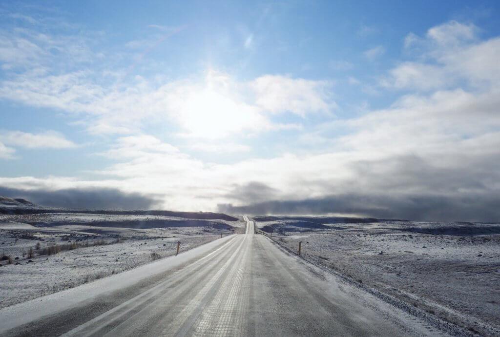 Ringstrasse Island Schnee Norden Nebensaison