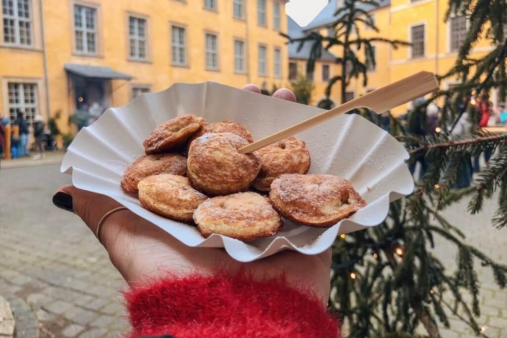 Weihnachtsmarkt Schloss Blankenburg Poffertjes
