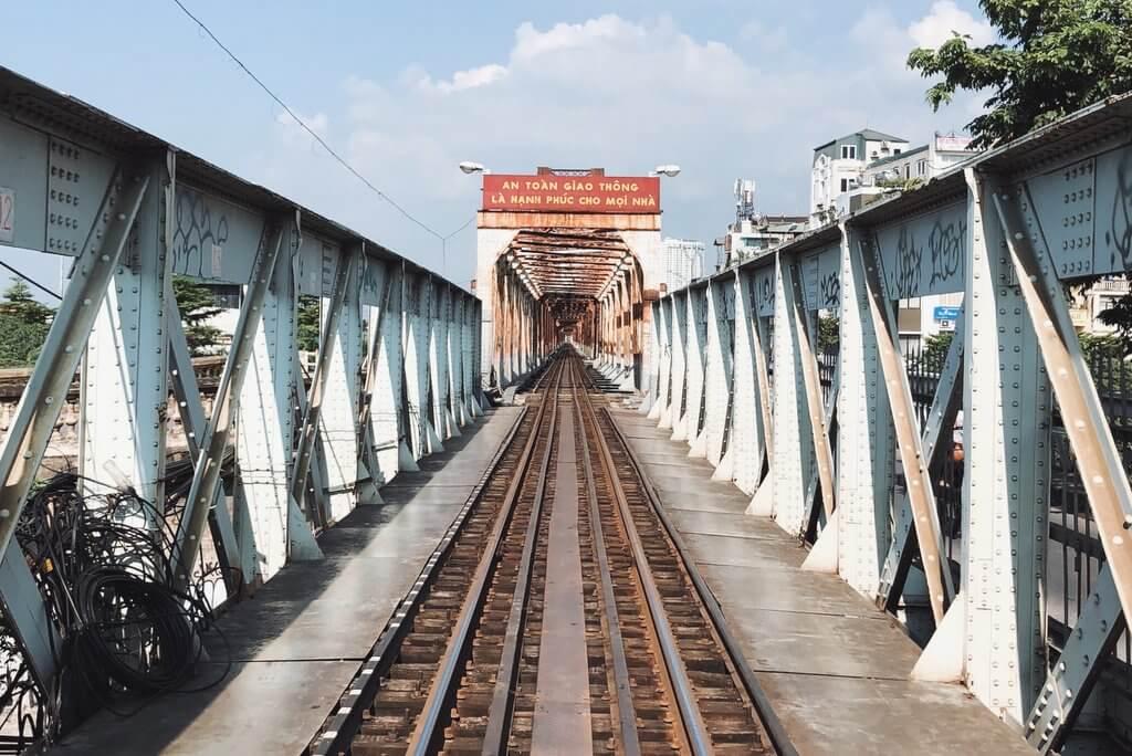 Hanoi Tipps Long Bien Train