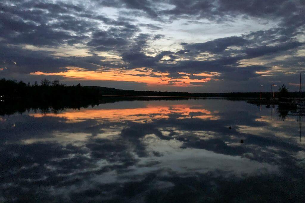 Sonnenuntergang Störmthaler See Lagovida